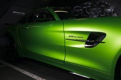 Grüne Außendetails 2018 V8 Biturbo, Seitenansicht Mercedes-Benzs AMG GT-r Lizenzfreie Stockfotos