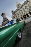 Grüne Autoperspektive in Havana, Kuba stockfoto