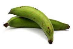 Grüne Bananen vorbei Stockfoto
