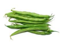 Grüne Bohnen auf Weiß Stockfotografie