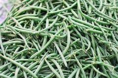 Grüne Bohnen im Markt Lizenzfreies Stockfoto