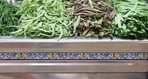 Grüne Bohnen im Markt Stockbilder