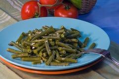 Grüne Bohnen mit Basilikum Lizenzfreie Stockfotografie