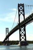 Grüne Brücke Stockfoto