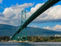 Grüne Brücke Stockfotos