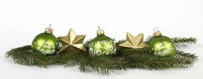Grüne Cchristmas-Bälle Lizenzfreie Stockfotos