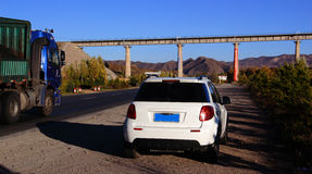 Grüne Eisenbahnbrücke Lizenzfreie Stockfotos