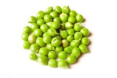 Grüne Erbse getrennt auf Weiß Stockfotos