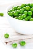 Grüne Erbsen. Stockfoto