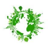 Grüne Erde mit Stadtenergieabwehr Lizenzfreie Stockfotos