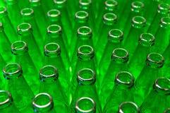 Grüne Flaschen stockfoto