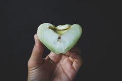 Grüne Gebirgsäpfel Stockfotos