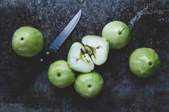 Grüne Gebirgsäpfel Lizenzfreies Stockbild
