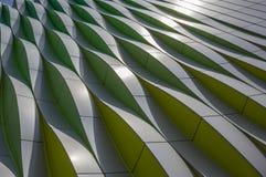 Grüne, gelbe und silberne Kurven des Universitätskrankenhauses in GR Stockfotos