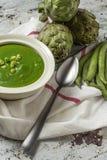Grüne Gemüsesahnesuppe Stockfotografie