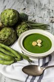 Grüne Gemüsesahnesuppe Lizenzfreie Stockbilder