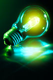 Grüne Glühlampe Stockfoto