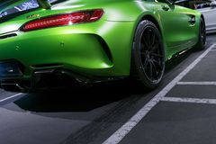 Grüne GTR V8 Bi-Turbo Äußerdetails 2018 Mercedes-Benzs AMG Rückseitige Ansicht Autoäußerdetails Lizenzfreie Stockfotografie