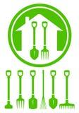 Grüne Ikone des Gartens mit Werkzeugen Lizenzfreies Stockbild