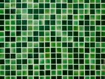 Grüne Keramikziegelwand Stockfoto