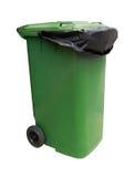Grüne Mülltonne lokalisiert auf Weiß mit Beschneidungspfad Lizenzfreie Stockbilder