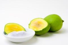 Grüne Mangofrucht geschnitten Lizenzfreies Stockfoto
