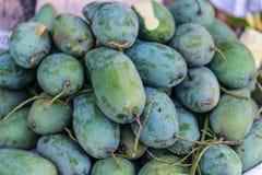 Grüne Mangos Stockfoto