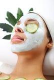 Grüne Maske, Frau im Badekurortsalon Lizenzfreies Stockfoto
