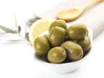 Grüne Oliven Lizenzfreies Stockbild
