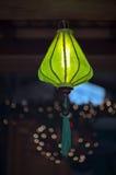 Grüne orientalische Leuchte geformt wie ein Ballon Lizenzfreie Stockfotografie