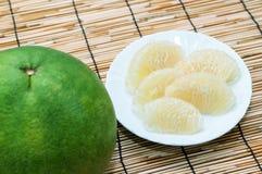 Grüne Pampelmusenfrucht stockfotos