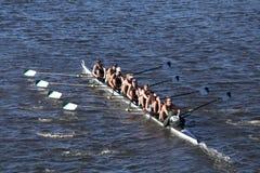 Grüne See-Mannschaft läuft im Kopf von Charles Regatta Men-` s Jugend acht Stockbilder