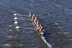 Grüne See-Mannschaft läuft im Kopf von Charles Regatta Men-` s Jugend acht Lizenzfreie Stockfotos