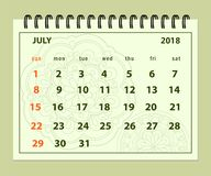 Grüne Seite im Juli 2018 auf Mandalahintergrund Lizenzfreie Stockfotos