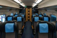 Grüne Sitze des Zugs der Kugel der Reihe E6 (Hochgeschwindigkeits, Shinkansen) Lizenzfreie Stockfotografie