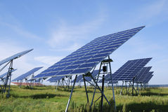 Grüne Sonnenenergie Lizenzfreies Stockfoto