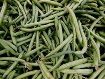 Grüne Stangenbohnen vom Markt Stockfotografie