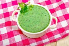 Grüne Suppe Stockfoto