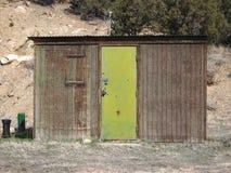 Grüne Tür lizenzfreies stockfoto