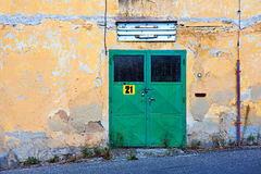 Grüne Tür 21 lizenzfreie stockbilder
