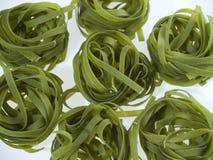 Grüne Teigwaren lizenzfreies stockbild