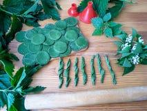 Grüne Teigwaren der Nessel Stockbild