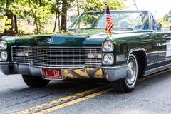 Grüne Transportgestell-im Juli vierte Parade Stockfotos