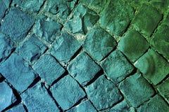 Grüne und blaue Straße   lizenzfreie stockbilder