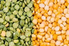 Grüne und gelbe Erbsen lizenzfreie stockfotos