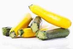 Grüne und gelbe Zucchini Lizenzfreie Stockbilder
