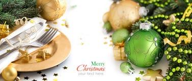 Grüne und goldene Weihnachtsverzierungen Lizenzfreie Stockbilder
