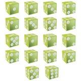 Grüne Würfel mit Ausschnittspfad Stockfotos