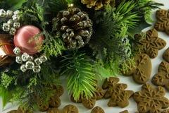 Grüne Weihnachtsgirlande Stockfotografie