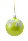 Grüne Weihnachtskugel Stockbild